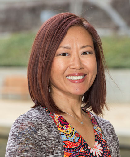 Ivy Lee, vCom VP of Finance